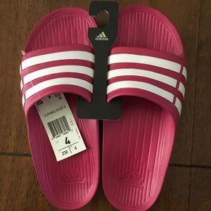 cc1166bc05984 Girls Adidas Hot pink slides NEW! NWT